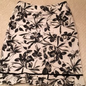 B. Moss Floral Skirt Size 10 New Condition